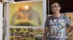 Charly deslile lors d une de ses expositions