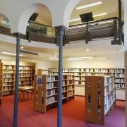 Mediatheque section romans uz
